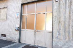 Magazzino in vendita a Torino Zona Aeronautica Via Montecimone1
