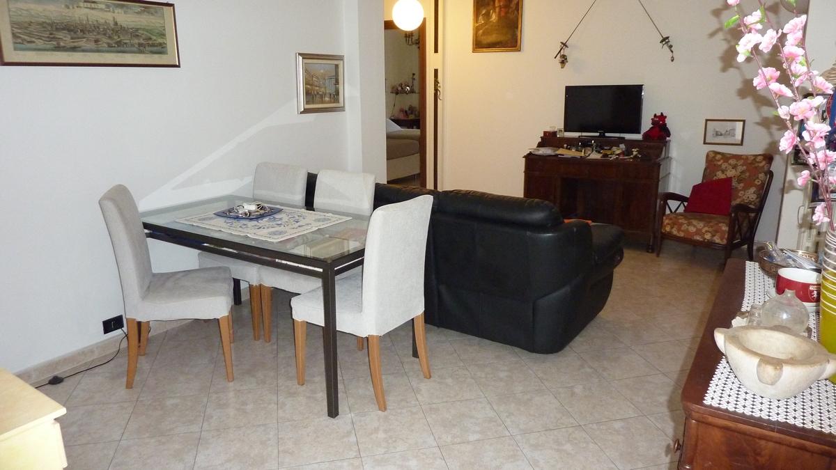 Appartamento in Vendita a Torino Zona Santa Rita Via Mombarcaro