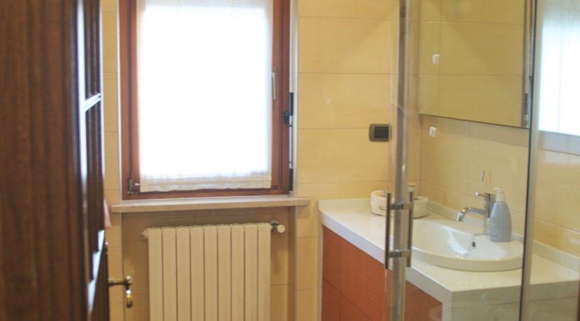 Vendita-Torino-Parella-TelesioBagno arancio 5
