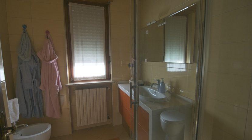 Vendita-Torino-Parella-TelesioBagno arancio 6jpg