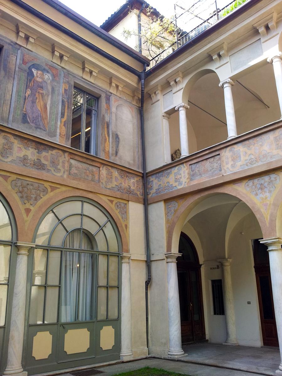 Affitto a Torino Zona Centro Via Stampatori